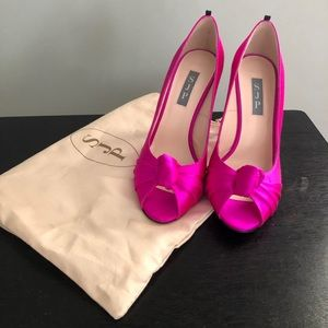 SJP gorgeous Gabrielle hot pink pumps. Size 38